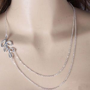 Trendy Multilayered Leaf Necklace